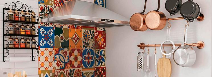 cozinha arrumada e decorada
